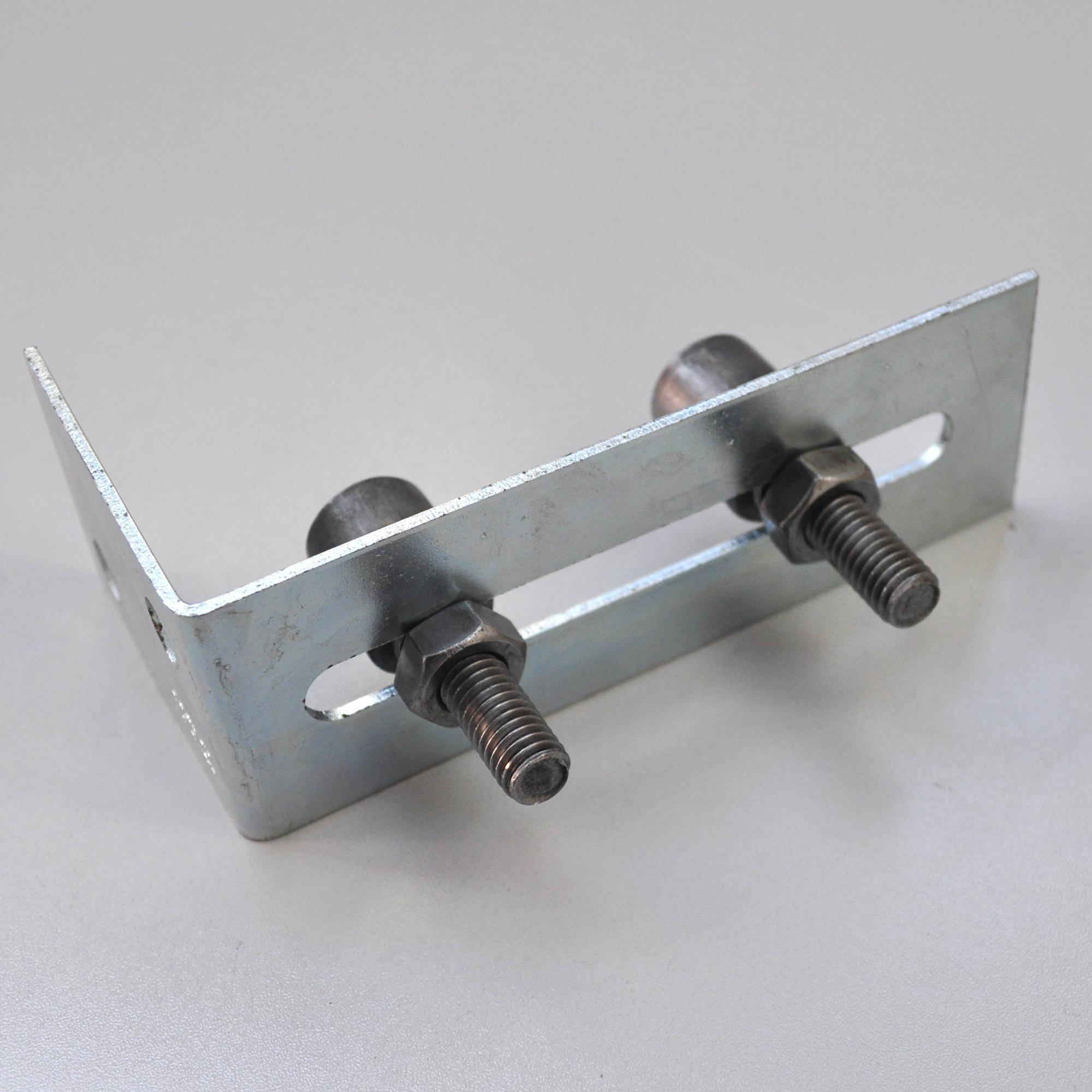 Fuhrungsbock Schmal Mit 2 Fuhrungsrollen Aus Stahl O37